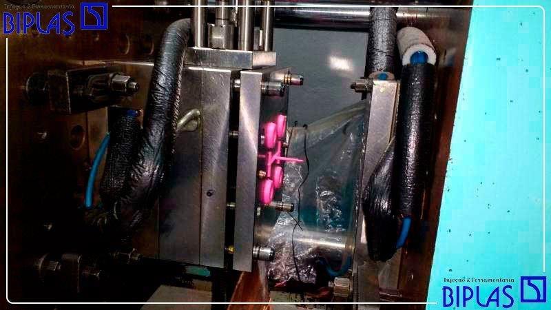 Projeto de moldes para injeção de plásticos